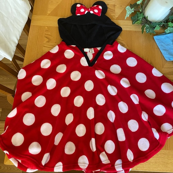 Minnie Mouse Hooded Ear Poncho Blanket